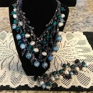 GORGEOUS NEW NECKLACE AND BRACELET SET